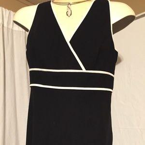 Dresses & Skirts - D1119 Black and White dress size 6